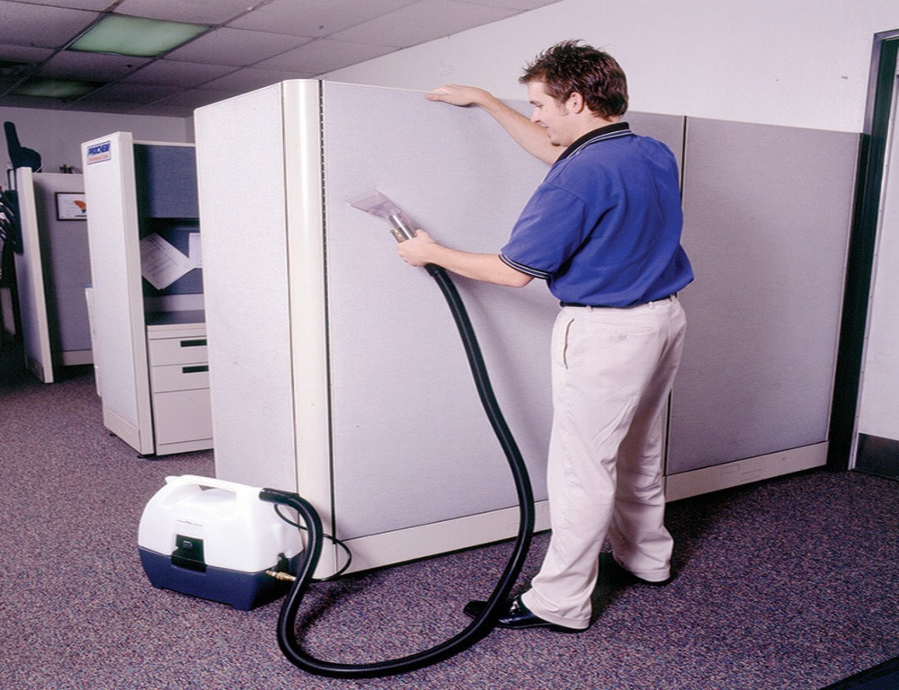 Cubicle Wall Cleaning